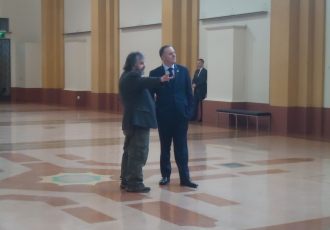 Sir Peter Jackson and the Prime Minister in Wellington