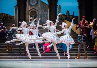 Royal New Zealand Ballet will present its first audio described performances for blind and low vision patrons in Auckland with the ballet Romeo and Juliet, which opens in Wellington on 16 August and then tours New Zealand until 24 September.