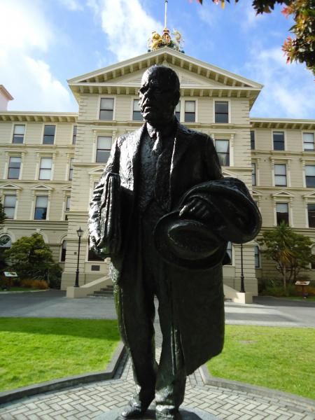 "Peter Fraser Statue, Wellington<p class=""detail-small"">Ministry for Culture and Heritage</p>"