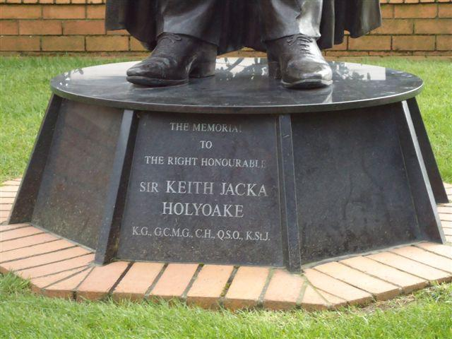 "Holyoake Memorial, Wellington<p class=""detail-small"">Ministry for Culture and Heritage</p>"
