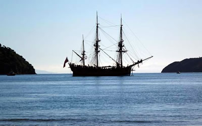 Cook's Endeavour replica leaves Marlborough